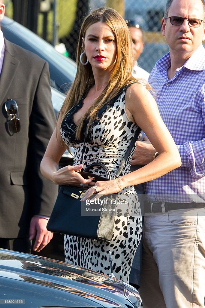 Actress <a gi-track='captionPersonalityLinkClicked' href=/galleries/search?phrase=Sofia+Vergara&family=editorial&specificpeople=214702 ng-click='$event.stopPropagation()'>Sofia Vergara</a> seen on the streets of Manhattan on May 16, 2013 in New York City.