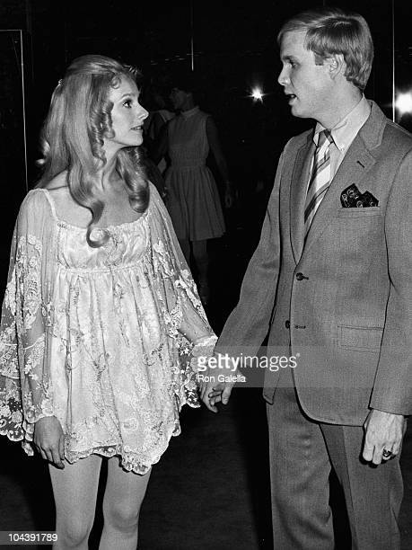 Actress Sondra Locke and her husband sculptor Gordon Anderson attend the premiere of 'The Heart Is A Lonely Hunter' on August 1 1968 in New York City