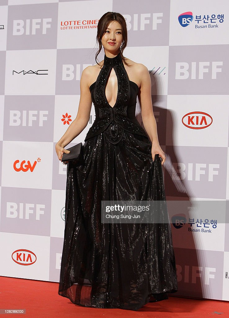 Actress Song Sun-Mi arrives for the opening ceremony of the 16th Busan International Film Festival (BIFF) at the Busan Cinema Center on October 6, 2011 in Busan, South Korea. The biggest film festival in Asia showcases 307 films from 70 countries and runs from October 6-14.