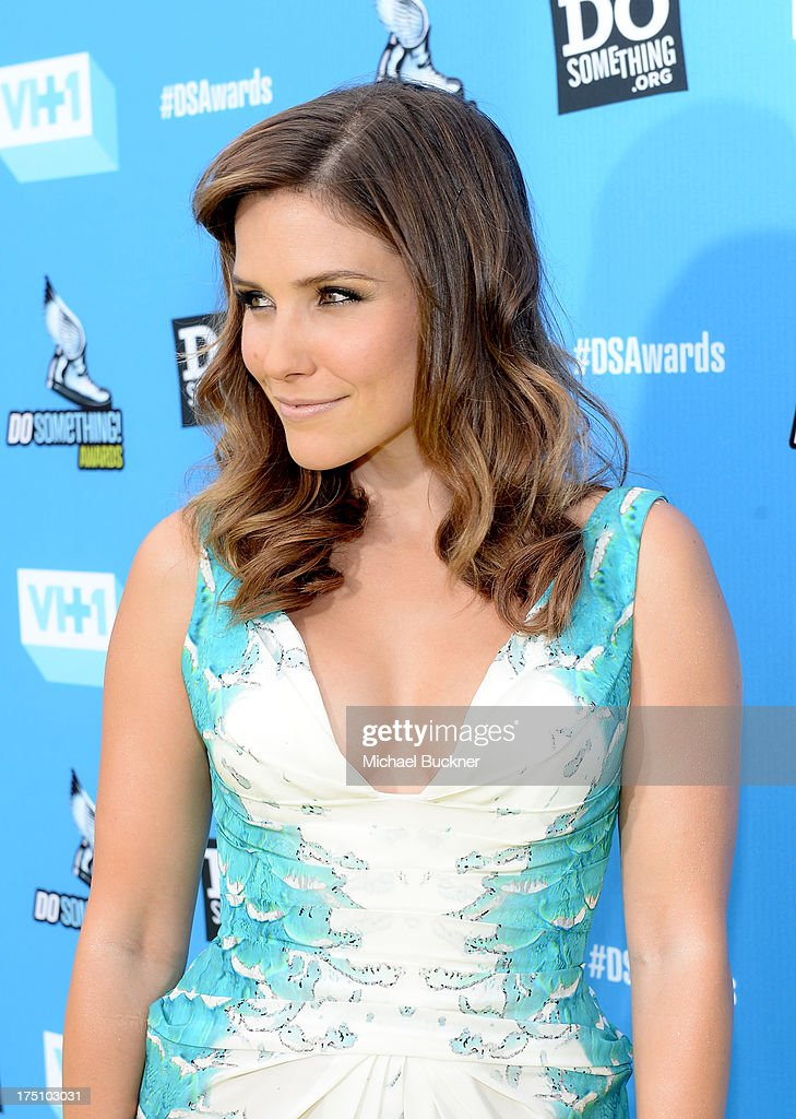 Actress Sophia Bush arrives at the DoSomething.org and VH1's 2013 Do Something Awards at Avalon on July 31, 2013 in Hollywood, California.
