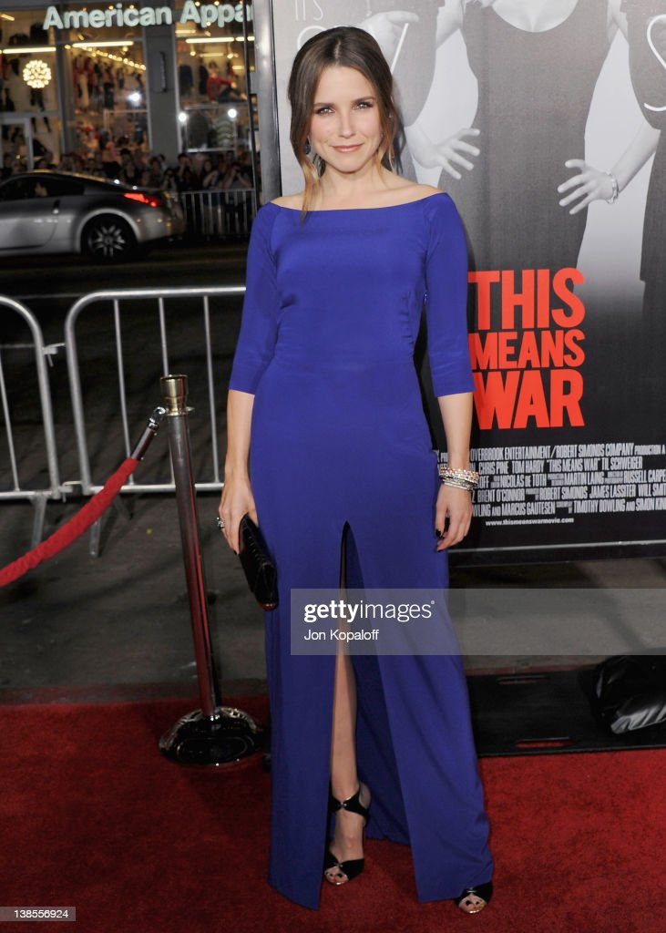 Actress <a gi-track='captionPersonalityLinkClicked' href=/galleries/search?phrase=Sophia+Bush&family=editorial&specificpeople=203180 ng-click='$event.stopPropagation()'>Sophia Bush</a> arrives at the Los Angeles Premiere 'This Means War' at Grauman's Chinese Theatre on February 8, 2012 in Hollywood, California.