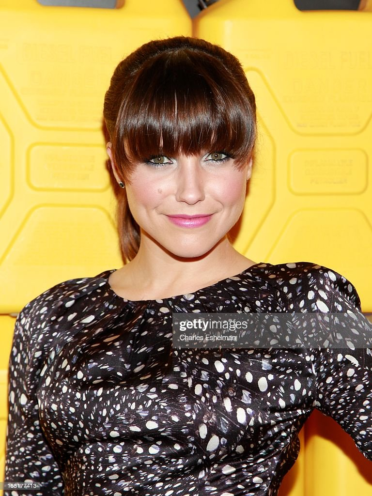 Actress <a gi-track='captionPersonalityLinkClicked' href=/galleries/search?phrase=Sophia+Bush&family=editorial&specificpeople=203180 ng-click='$event.stopPropagation()'>Sophia Bush</a> attends the 7th annual Charity Ball Benefiting Charity:Water at the 69th Regiment Armory on December 10, 2012 in New York City.