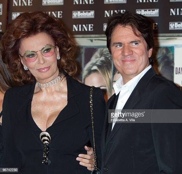 Actress Sophia Loren and director Rob Marshall attend 'Nine' photocall at St Regis Grand Hotel on January 13 2010 in Rome Italy