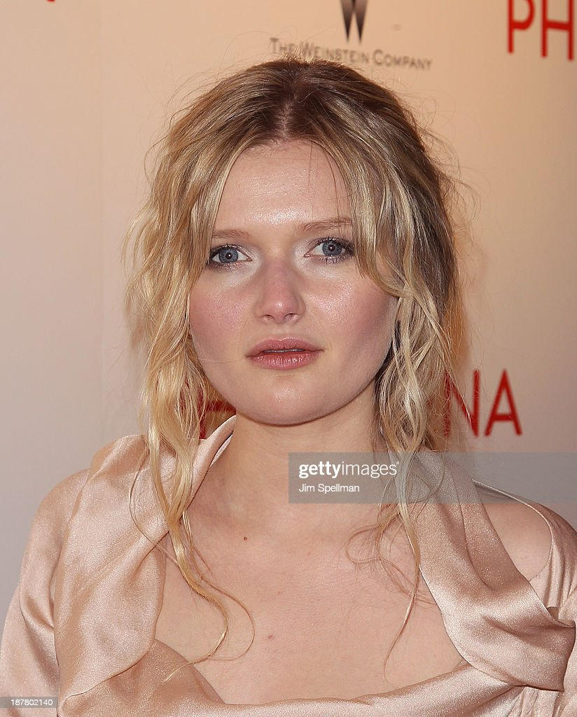 Actress <a gi-track='captionPersonalityLinkClicked' href=/galleries/search?phrase=Sophie+Kennedy+Clark&family=editorial&specificpeople=7256528 ng-click='$event.stopPropagation()'>Sophie Kennedy Clark</a> attends the premiere of 'Philomena' hosted by The Weinstein Company at Paris Theater on November 12, 2013 in New York City.