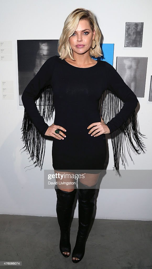 Alison Eastwood Hosts The Art For Animals Fundraiser Art Event