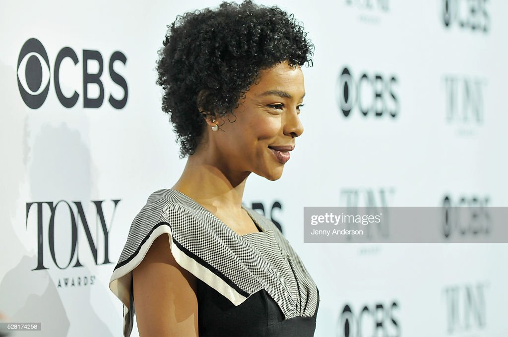 Actress <a gi-track='captionPersonalityLinkClicked' href=/galleries/search?phrase=Sophie+Okonedo&family=editorial&specificpeople=203001 ng-click='$event.stopPropagation()'>Sophie Okonedo</a> attends 2016 Tony Awards Meet The Nominees Press Reception on May 4, 2016 in New York City.