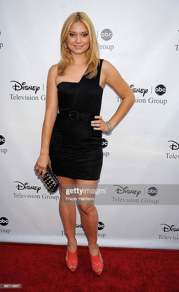 Actress Spencer Grammer, daughter of Kelsey Grammer arrives at Disney-ABC Television Group Summer Press Tour Party at The Langham Hotel on August 8, 2009 in Pasadena, California.