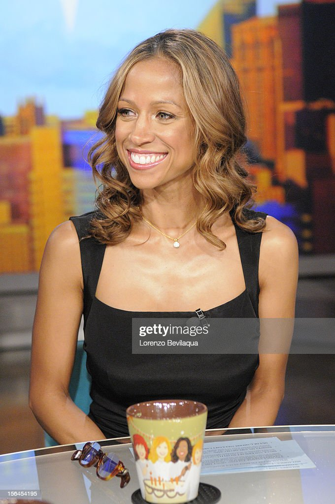 "THE VIEW - (11.15.12) Actress Stacey Dash (""Clueless""), who recently made headlines for her endorsement of Republican Presidential candidate Mitt Romney, guest co-hosts today, Thursday, November 15th. 'The View' airs Monday-Friday (11:00 am-12:00 pm, ET) on the ABC Television Network. DASH"