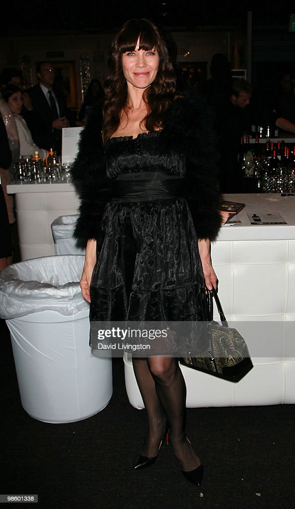 Actress <a gi-track='captionPersonalityLinkClicked' href=/galleries/search?phrase=Stacy+Haiduk&family=editorial&specificpeople=6215370 ng-click='$event.stopPropagation()'>Stacy Haiduk</a> attends the 15th Annual Los Angeles Antique Show Opening Night Preview Party benefiting P.S. ARTS at Barker Hanger on April 21, 2010 in Santa Monica, California.