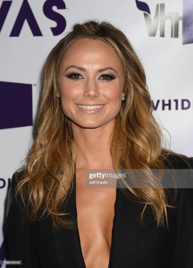 Actress <a gi-track='captionPersonalityLinkClicked' href=/galleries/search?phrase=Stacy+Keibler&family=editorial&specificpeople=3031844 ng-click='$event.stopPropagation()'>Stacy Keibler</a> arrives at 'VH1 Divas' 2012 at The Shrine Auditorium on December 16, 2012 in Los Angeles, California.