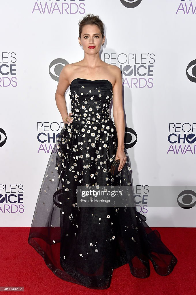 Actress <a gi-track='captionPersonalityLinkClicked' href=/galleries/search?phrase=Stana+Katic&family=editorial&specificpeople=2081035 ng-click='$event.stopPropagation()'>Stana Katic</a> attends The 41st Annual People's Choice Awards at Nokia Theatre LA Live on January 7, 2015 in Los Angeles, California.