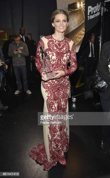 Actress Stana Katic winner of the Favorite Dramatic TV Actress award for 'Castle' attends The 40th Annual People's Choice Awards at Nokia Theatre LA...