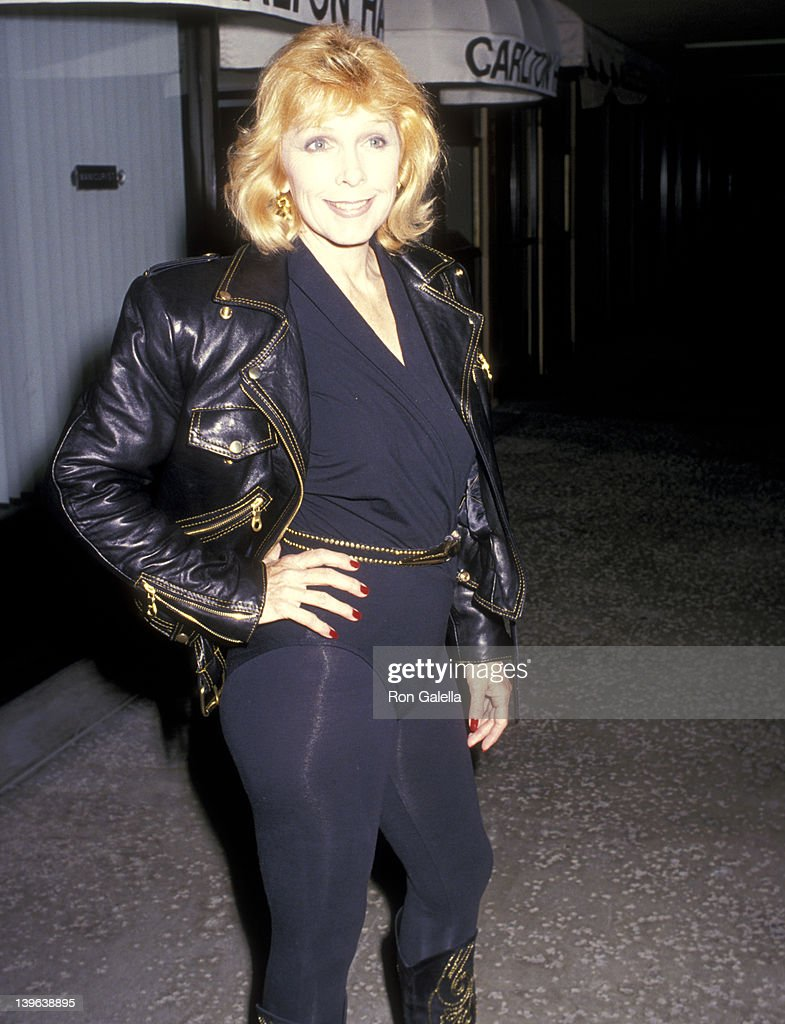 Actress Stella Stevens on April 21 1989 dines at Kate Mantilini Restaurant in Beverly Hills California