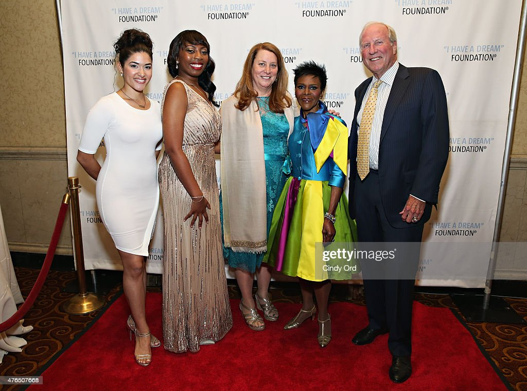 Actress Stephanie Andujar, Chanel Edwards, President & CEO at I Have A Dream Foundation Donna Lawrence ,actress Cicely Tyson and Ron Terwilliger, Board Chair of IHDF attend the I Have A Dream Foundation 'Spirit of the Dream' Gala at Gotham Hall on June 9, 2015 in New York City.