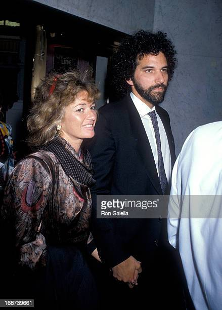 Actress Stephanie Beacham and date attend Lily Tomlin's OneWoman Broadway Show 'The Search for Signs of Intelligent Life in the Universe' on May 16...