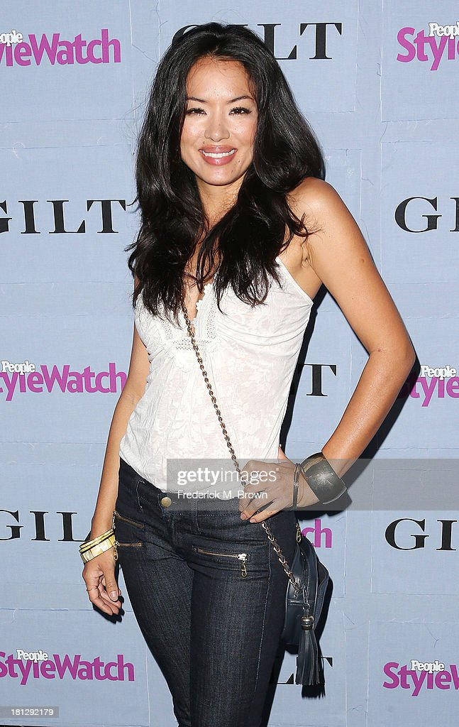 Actress <a gi-track='captionPersonalityLinkClicked' href=/galleries/search?phrase=Stephanie+Jacobsen&family=editorial&specificpeople=4480677 ng-click='$event.stopPropagation()'>Stephanie Jacobsen</a> attends the People StyleWatch Denim Awards by GILT at the Palihouse on September 19, 2013 in West Hollywood, California.