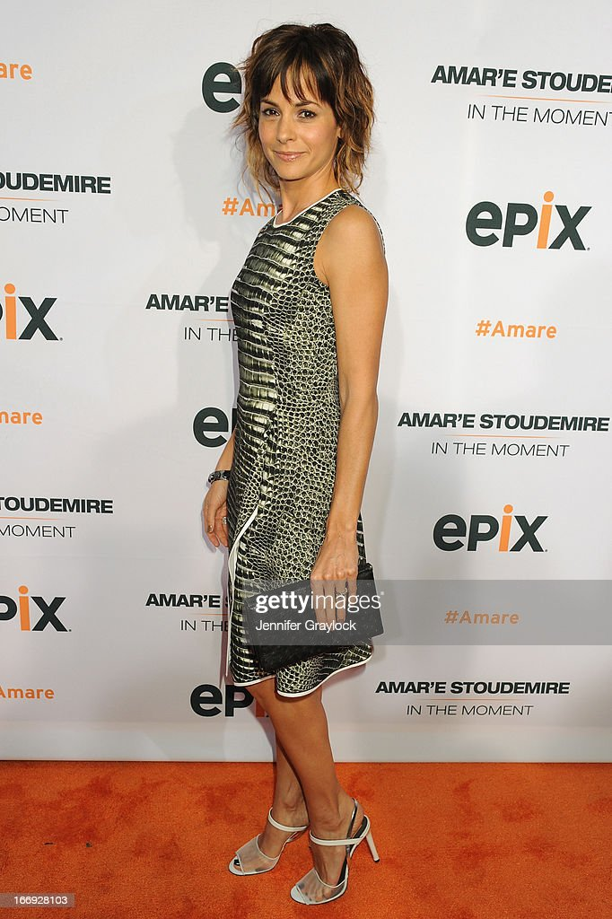 Actress <a gi-track='captionPersonalityLinkClicked' href=/galleries/search?phrase=Stephanie+Szostak&family=editorial&specificpeople=4350079 ng-click='$event.stopPropagation()'>Stephanie Szostak</a> attends EPIX premiere of Amar'e Stoudemire IN THE MOMENT on April 18, 2013 in New York City.