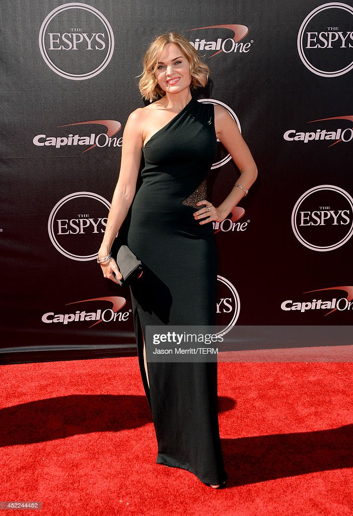 Actress <a gi-track='captionPersonalityLinkClicked' href=/galleries/search?phrase=Sunny+Mabrey&family=editorial&specificpeople=238987 ng-click='$event.stopPropagation()'>Sunny Mabrey</a> attends The 2014 ESPYS at Nokia Theatre L.A. Live on July 16, 2014 in Los Angeles, California.