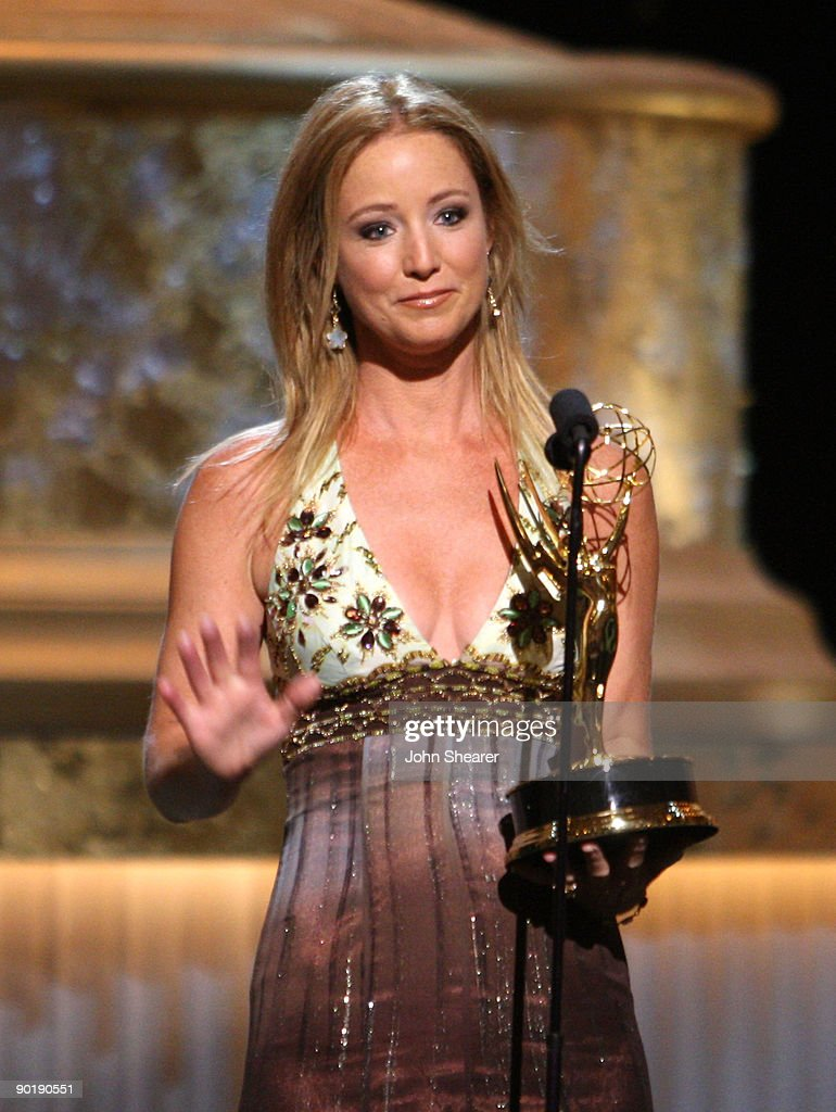 Actress Susan Haskell accepts the Emmy for Lead Actress in a Drama Series during the 36th Annual Daytime Emmy Awards at The Orpheum Theatre on August 30, 2009 in Los Angeles, California.