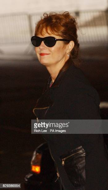 Actress Susan Sarandon arrives at a memorial service for actor Christopher Reeve at the Juilliard School of Performing Arts in New York City USA