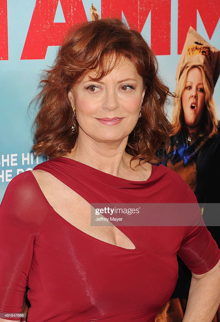 Actress <a gi-track='captionPersonalityLinkClicked' href=/galleries/search?phrase=Susan+Sarandon&family=editorial&specificpeople=202474 ng-click='$event.stopPropagation()'>Susan Sarandon</a> arrives at the 'Tammy' - Los Angeles Premiere at TCL Chinese Theatre on June 30, 2014 in Hollywood, California.