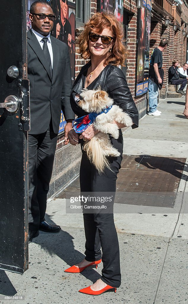 Actress <a gi-track='captionPersonalityLinkClicked' href=/galleries/search?phrase=Susan+Sarandon&family=editorial&specificpeople=202474 ng-click='$event.stopPropagation()'>Susan Sarandon</a> arrives to the 'Late Show With David Letterman' taping at the Ed Sullivan Theater on June 16, 2014 in New York City.