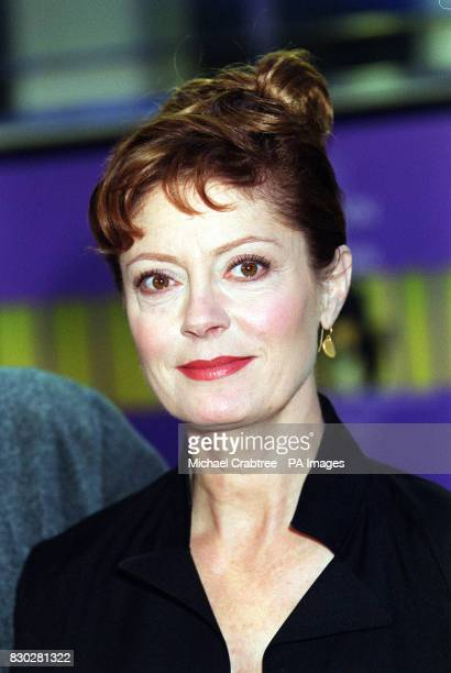 Actress Susan Sarandon at the Odeon Leicester Square in London to watch director Wayne Wang's film 'Anywhere But Here' which was screened as part of...