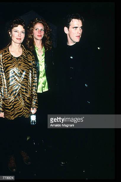 Actress Susan Sarandon Julia Roberts and Matt Dillon attend a fashion show October 31 1995 in New York City The fashion shows are held to preview the...