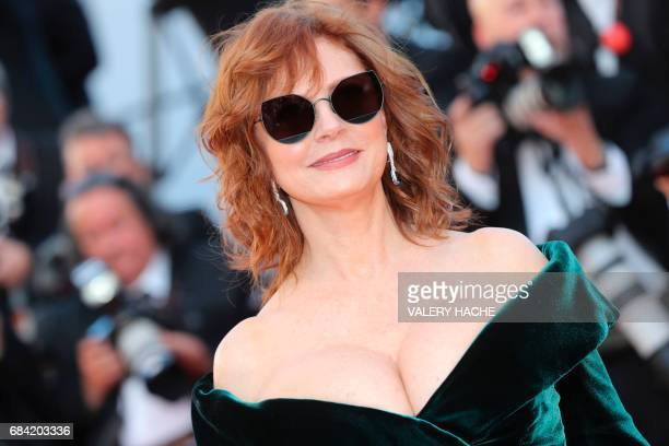 TOPSHOT US actress Susan Sarandon poses as she arrives on May 17 2017 for the screening of the film 'Ismael's Ghosts' during the opening ceremony of...