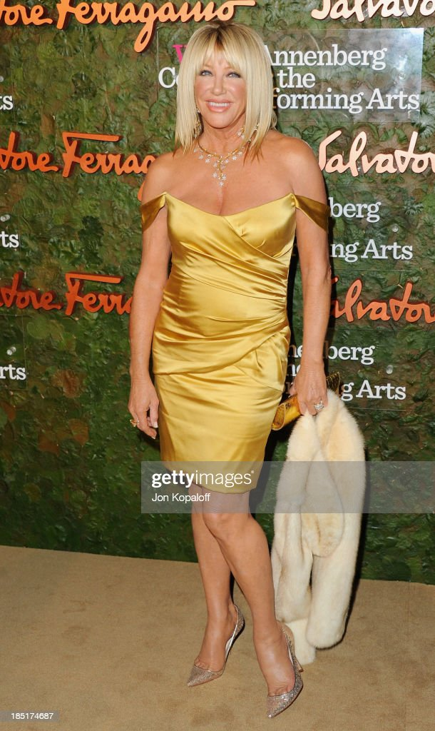 Actress <a gi-track='captionPersonalityLinkClicked' href=/galleries/search?phrase=Suzanne+Somers&family=editorial&specificpeople=213968 ng-click='$event.stopPropagation()'>Suzanne Somers</a> arrives at the Wallis Annenberg Center For Performing Arts Inaugural Gala at Wallis Annenberg Center for the Performing Arts on October 17, 2013 in Beverly Hills, California.