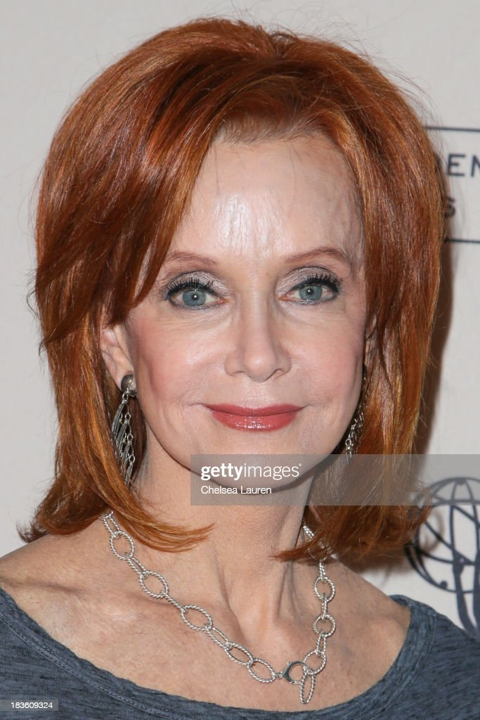 Actress <a gi-track='captionPersonalityLinkClicked' href=/galleries/search?phrase=Swoosie+Kurtz&family=editorial&specificpeople=213471 ng-click='$event.stopPropagation()'>Swoosie Kurtz</a> arrives at 'An Evening Honoring James Burrows' at Academy of Television Arts & Sciences on October 7, 2013 in North Hollywood, California.