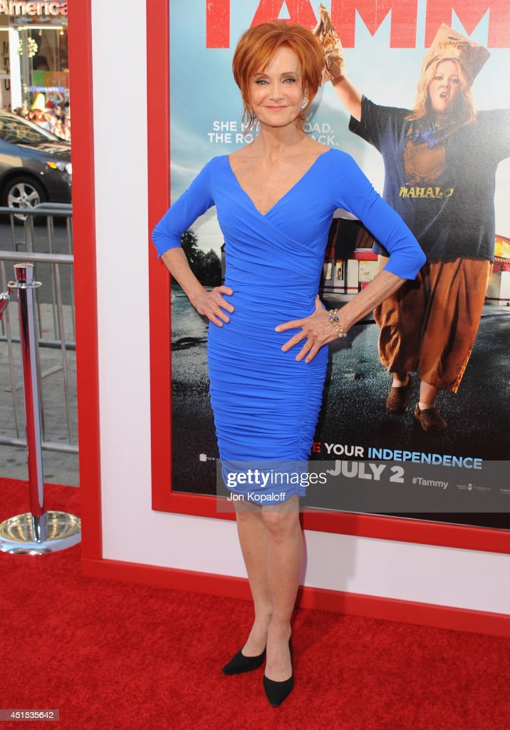 Actress <a gi-track='captionPersonalityLinkClicked' href=/galleries/search?phrase=Swoosie+Kurtz&family=editorial&specificpeople=213471 ng-click='$event.stopPropagation()'>Swoosie Kurtz</a> arrives at the Los Angeles Premiere 'Tammy' at TCL Chinese Theatre on June 30, 2014 in Hollywood, California.