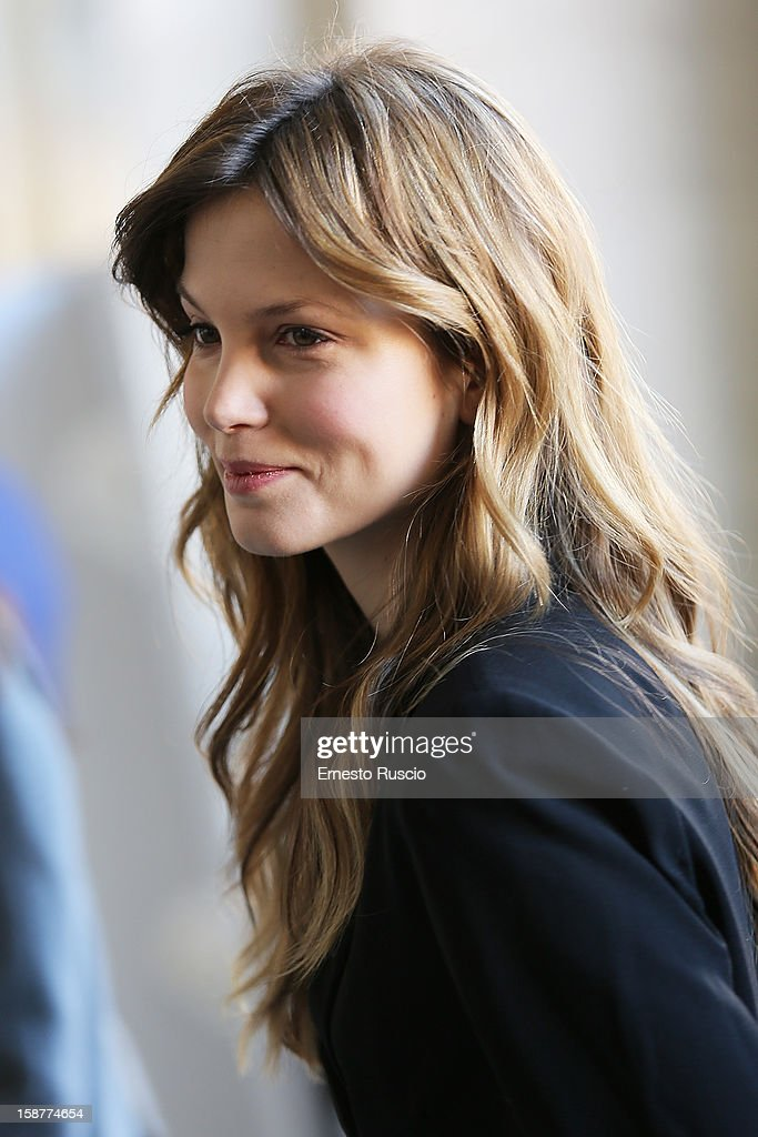 Actress Sylvia Hoeks attends the 'La Migliore Offerta' photocall at The Space Moderno on December 28, 2012 in Rome, Italy.