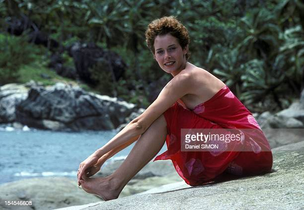 Actress Sylvia Kristel on set of movie 'Good Bye Emmmanuelle' directed by Francois Leterrier in April 1977 in Seychelles