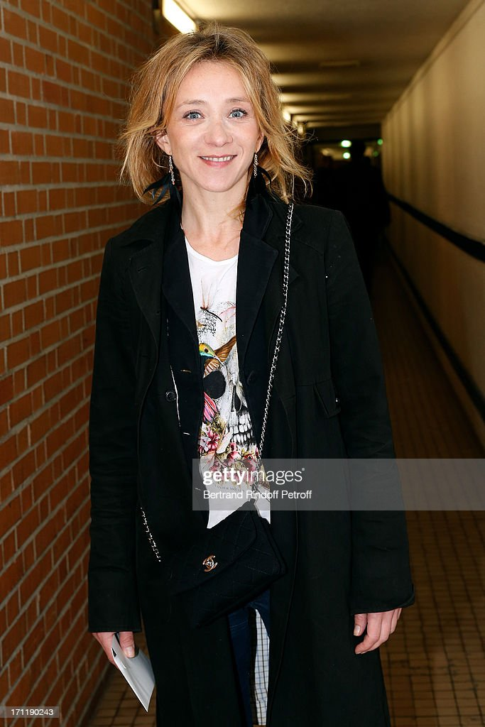 Actress <a gi-track='captionPersonalityLinkClicked' href=/galleries/search?phrase=Sylvie+Testud&family=editorial&specificpeople=2374680 ng-click='$event.stopPropagation()'>Sylvie Testud</a> attends the last concert in Paris of Patrick Bruel, held at Palais Omnisports de Bercy on June 22, 2013 in Paris, France.