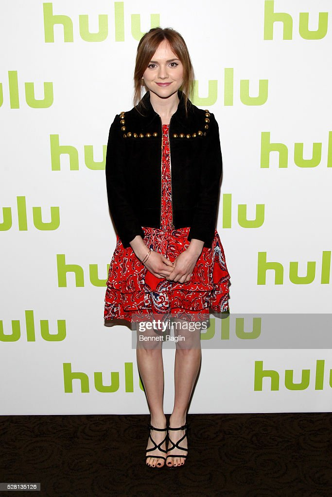 Actress Tara Lynn Barr of Casual attends the 2016 Hulu Upftont on May 04, 2016 in New York, New York.