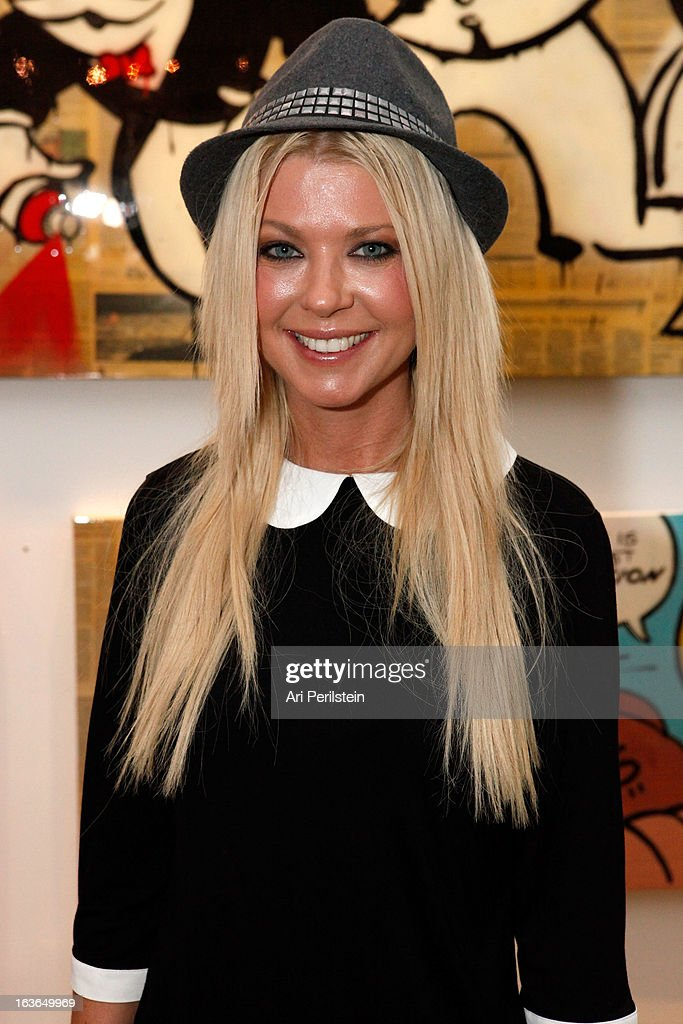 Actress Tara Redi arrives at Park Place A Solo Show By Alec Monopoly At LAB ART on March 13, 2013 in Los Angeles, California.