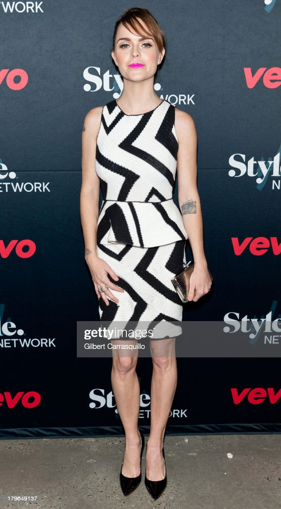 Actress <a gi-track='captionPersonalityLinkClicked' href=/galleries/search?phrase=Taryn+Manning&family=editorial&specificpeople=202146 ng-click='$event.stopPropagation()'>Taryn Manning</a> attends Style Network's 'Style To Rock' Event at Skylight Modern on September 5, 2013 in New York City.