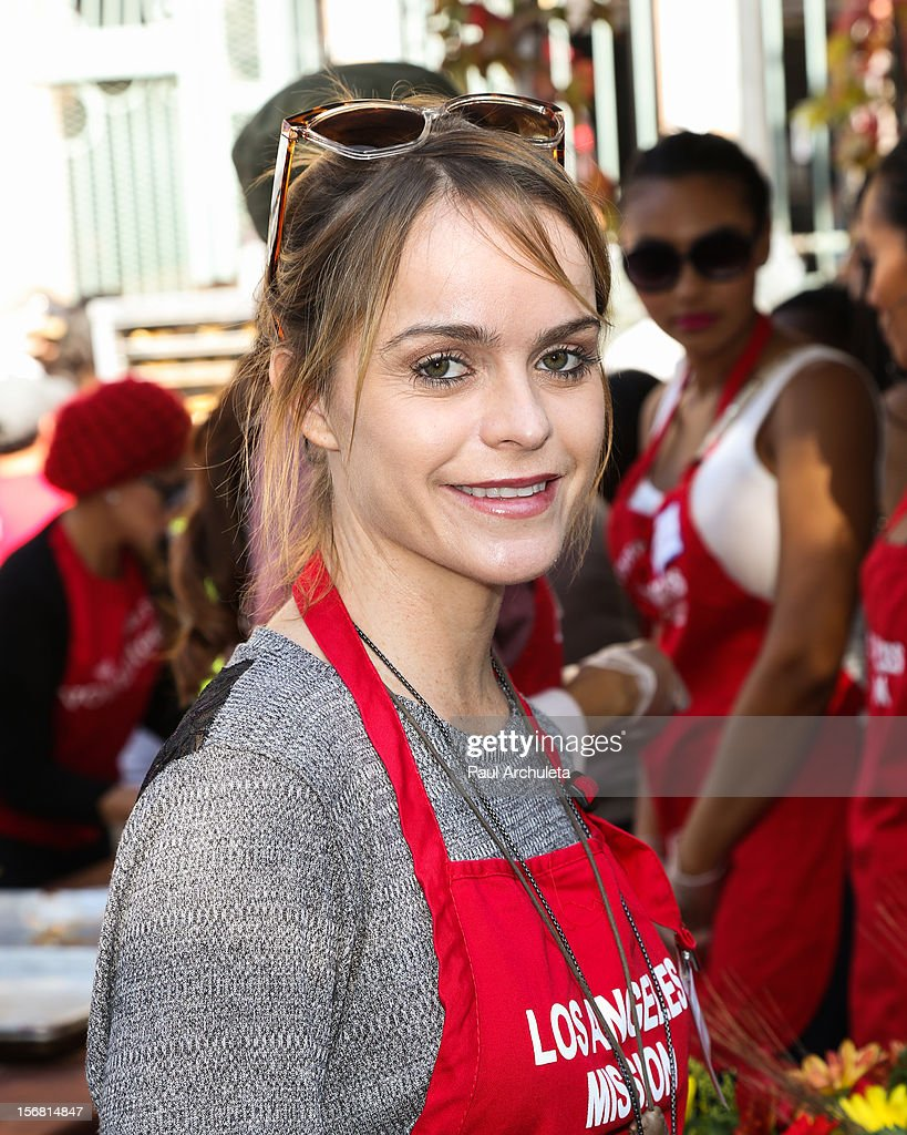 Actress <a gi-track='captionPersonalityLinkClicked' href=/galleries/search?phrase=Taryn+Manning&family=editorial&specificpeople=202146 ng-click='$event.stopPropagation()'>Taryn Manning</a> attends the Los Angeles Mission Thanksgiving Dinner at Los Angeles Mission on November 21, 2012 in Los Angeles, California.