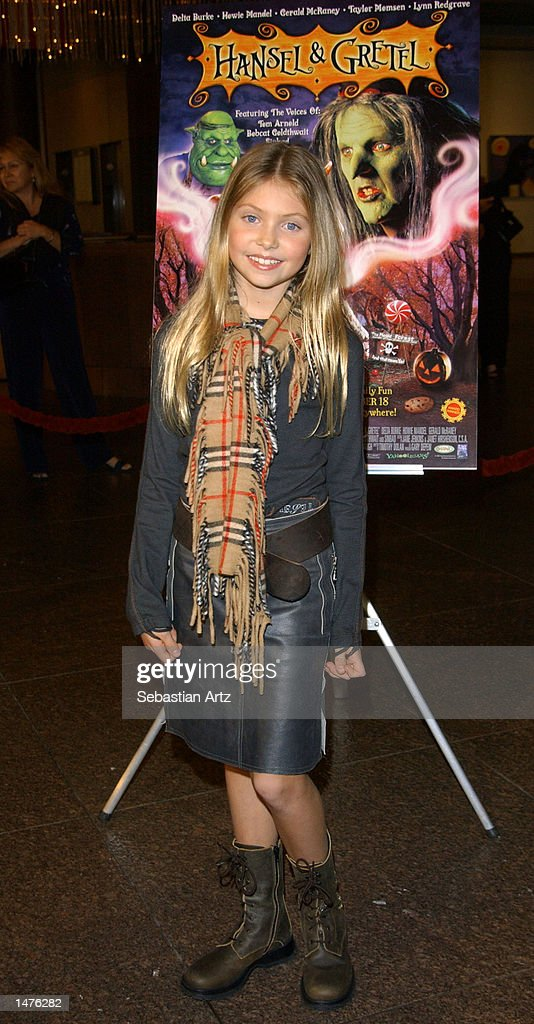 Actress Taylor Momsen arrives at the premiere of the movie 'Hansel & Gretel' on October 14, 2002 in Los Angeles, California.