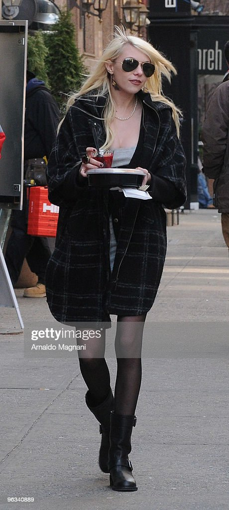 Actress Taylor Momsen works on the set of 'Gossip Girl' on February 1, 2010 in New York City.