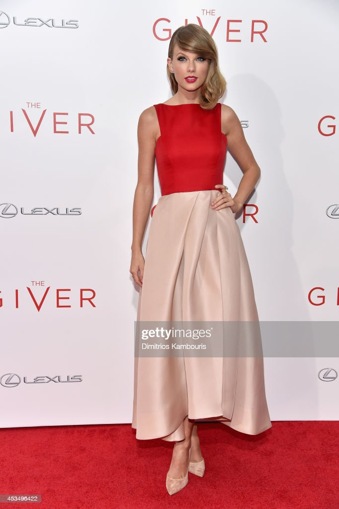 Actress Taylor Swift attends 'The Giver' premiere at Ziegfeld Theater on August 11 2014 in New York City