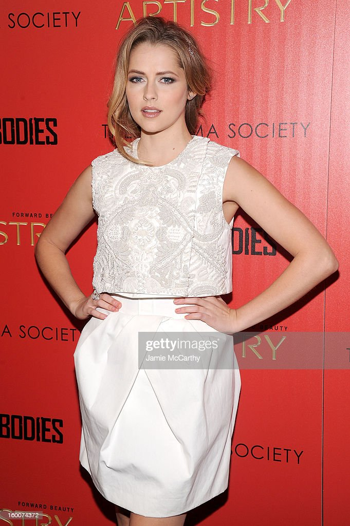 Actress <a gi-track='captionPersonalityLinkClicked' href=/galleries/search?phrase=Teresa+Palmer&family=editorial&specificpeople=612319 ng-click='$event.stopPropagation()'>Teresa Palmer</a> attends a screening of 'Warm Bodies' hosted by The Cinema Society at Landmark's Sunshine Cinema on January 25, 2013 in New York City.