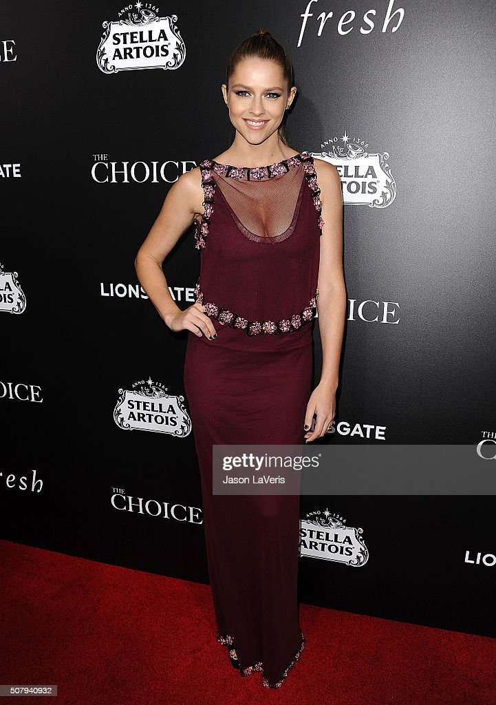 Actress <a gi-track='captionPersonalityLinkClicked' href=/galleries/search?phrase=Teresa+Palmer&family=editorial&specificpeople=612319 ng-click='$event.stopPropagation()'>Teresa Palmer</a> attends the premiere of 'The Choice' at ArcLight Cinemas on February 1, 2016 in Hollywood, California.