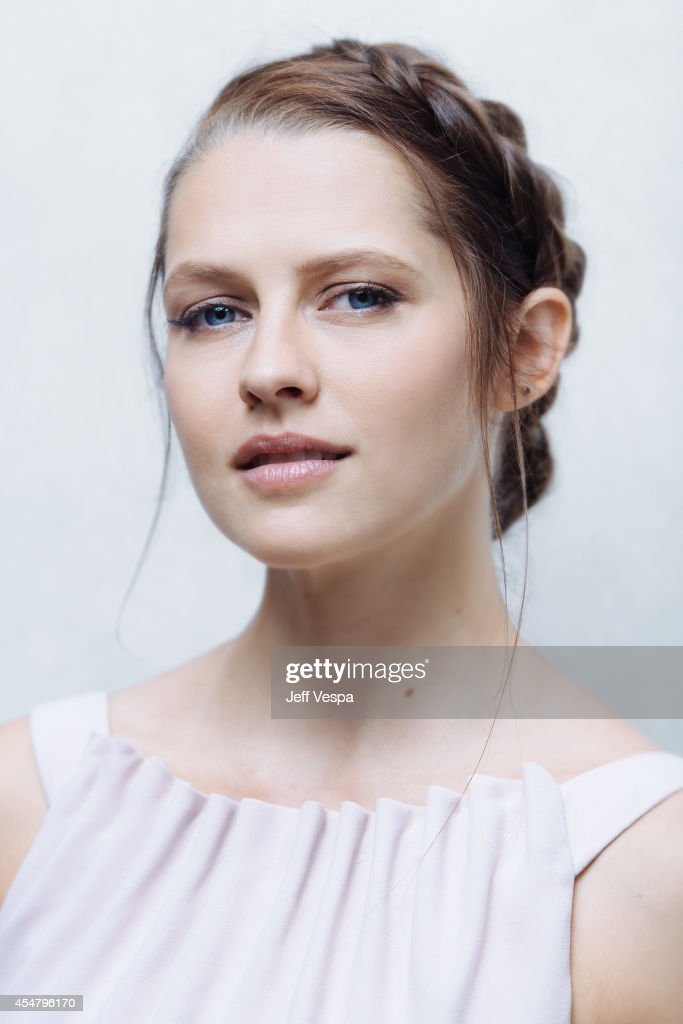 Actress <a gi-track='captionPersonalityLinkClicked' href=/galleries/search?phrase=Teresa+Palmer&family=editorial&specificpeople=612319 ng-click='$event.stopPropagation()'>Teresa Palmer</a> is photographed for a Portrait Session at the 2014 Toronto Film Festival on September 6, 2014 in Toronto, Ontario.
