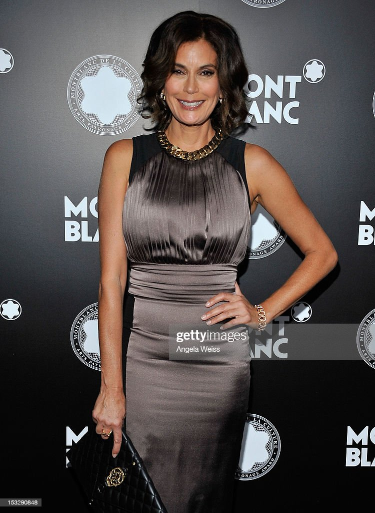 Actress <a gi-track='captionPersonalityLinkClicked' href=/galleries/search?phrase=Teri+Hatcher&family=editorial&specificpeople=202145 ng-click='$event.stopPropagation()'>Teri Hatcher</a> arrives at Montblanc's 2012 Montblanc de la Culture Arts Patronage Award Ceremony honoring Quincy Jones at Chateau Marmont on October 2, 2012 in Los Angeles, California.