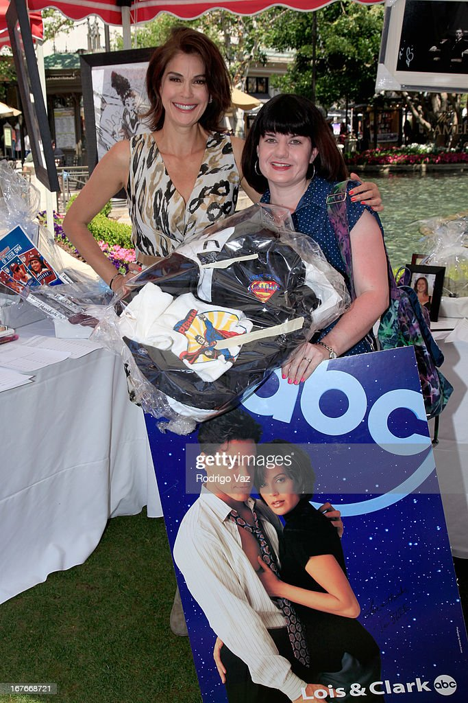 Actress <a gi-track='captionPersonalityLinkClicked' href=/galleries/search?phrase=Teri+Hatcher&family=editorial&specificpeople=202145 ng-click='$event.stopPropagation()'>Teri Hatcher</a> attends celebrity yard sale and auction benefitting Juvenile Arthritis Association at The Americana at Brand on April 27, 2013 in Glendale, California.
