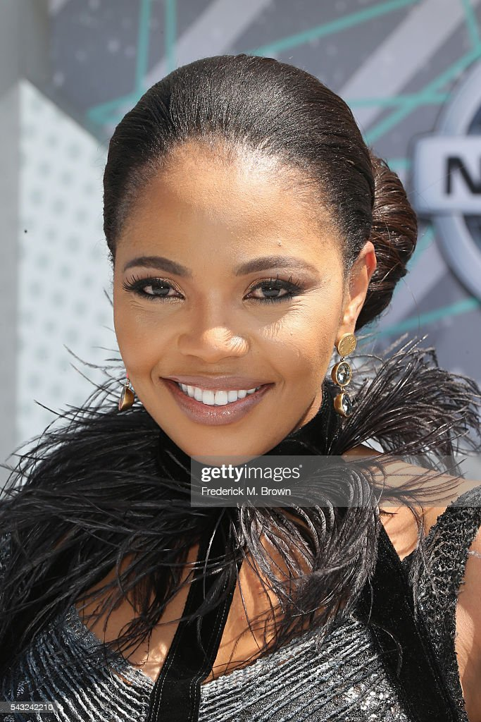 Actress <a gi-track='captionPersonalityLinkClicked' href=/galleries/search?phrase=Terry+Pheto&family=editorial&specificpeople=824105 ng-click='$event.stopPropagation()'>Terry Pheto</a> attends the 2016 BET Awards at the Microsoft Theater on June 26, 2016 in Los Angeles, California.