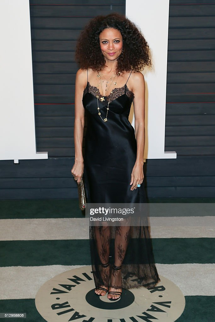 Actress Thandie Newton arrives at the 2016 Vanity Fair Oscar Party Hosted by Graydon Carter at the Wallis Annenberg Center for the Performing Arts on February 28, 2016 in Beverly Hills, California.