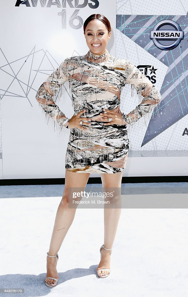 Actress <a gi-track='captionPersonalityLinkClicked' href=/galleries/search?phrase=Tia+Mowry&family=editorial&specificpeople=631098 ng-click='$event.stopPropagation()'>Tia Mowry</a>-Hardrict attends the 2016 BET Awards at the Microsoft Theater on June 26, 2016 in Los Angeles, California.